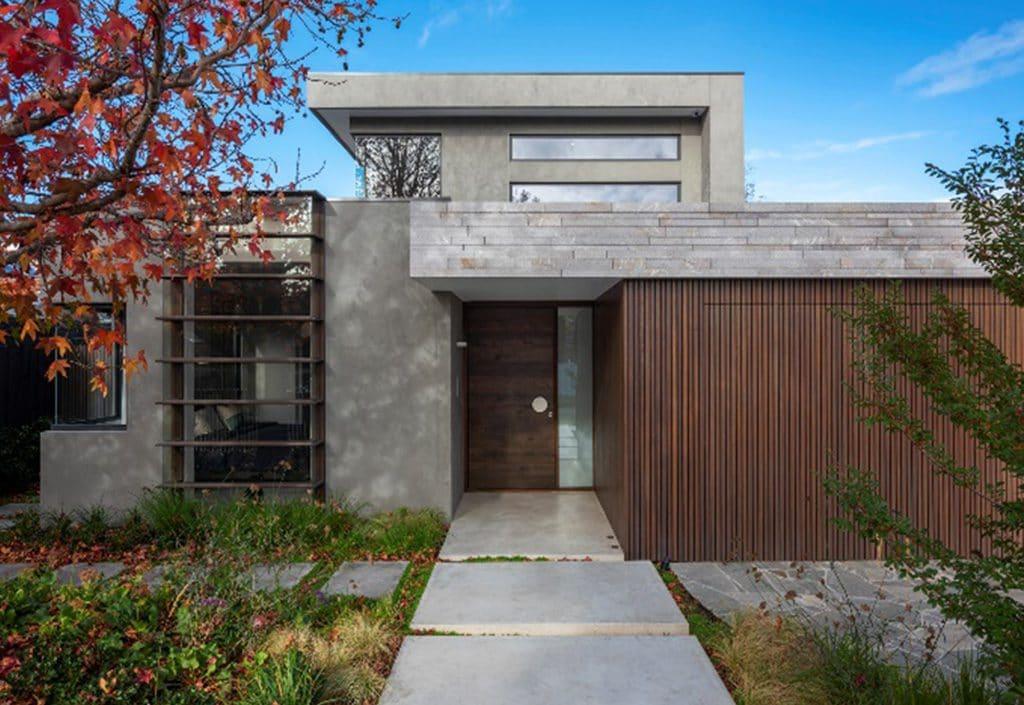 frontyard-with-greenery