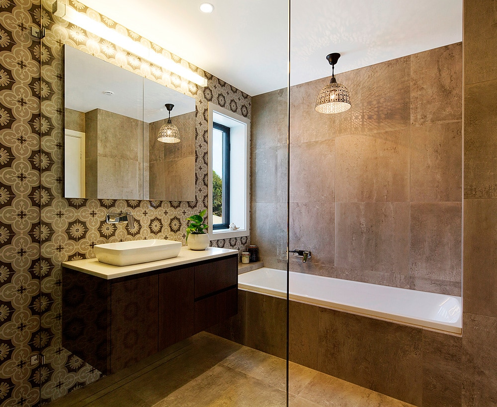 bathroom-with-tub-and-sink